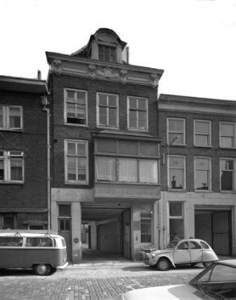 Jansveld 11 en rechts nummer 9, 1973. Foto: het Utrechts Archief
