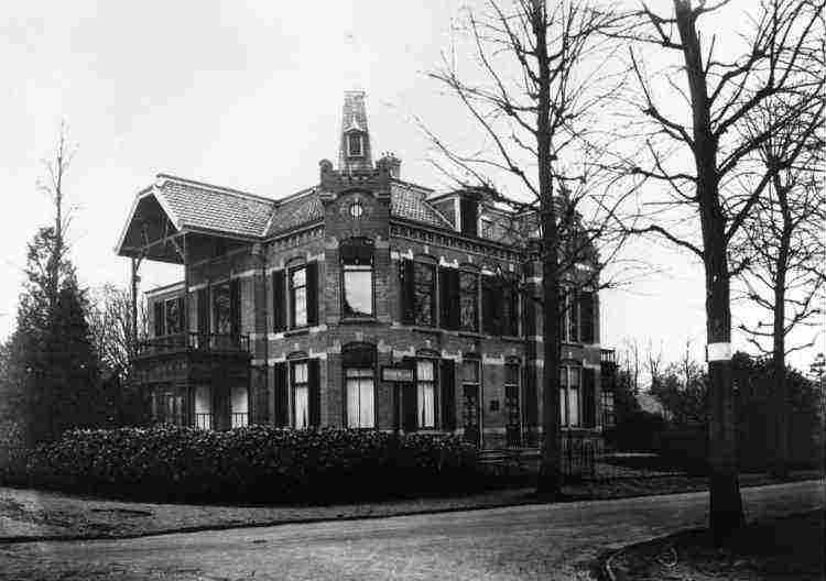 Villa Witten Hull, Witten Hullweg 1 - 3, 1928
