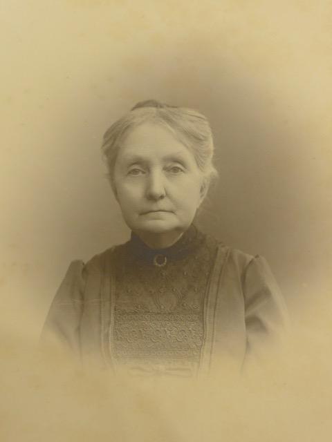 Angelique Le Roux, foto mogelijk rond 1890