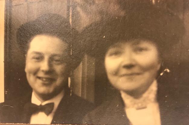 Angelique Dumont en Wim Badon Ghijben, 1e helft 20e eeuw